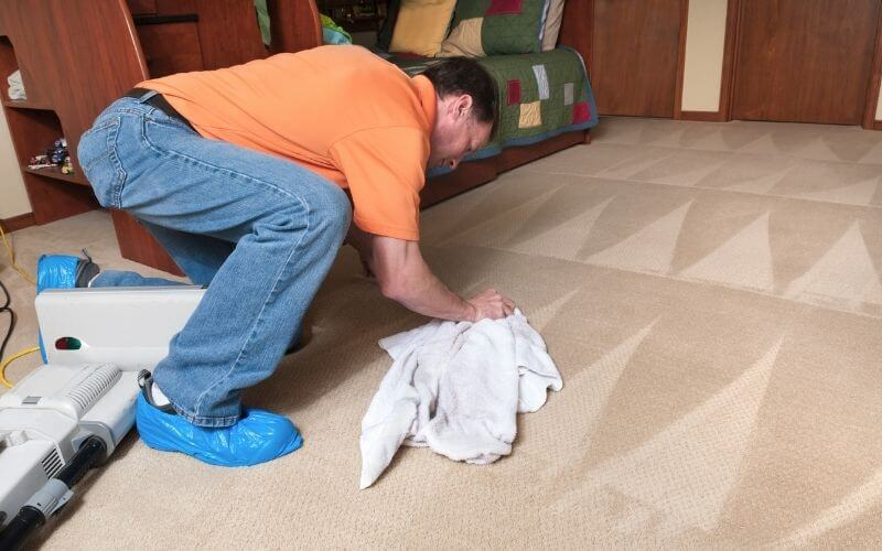 cleaning turmeric off carpet