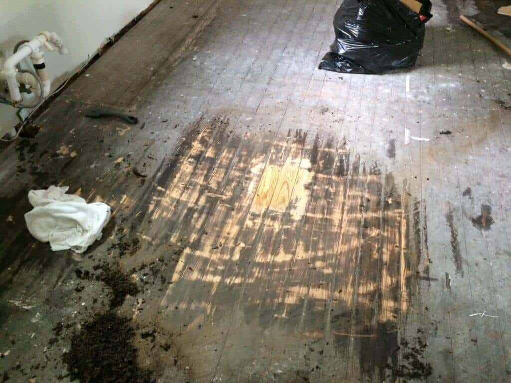 How to Remove Tar Paper From Wood