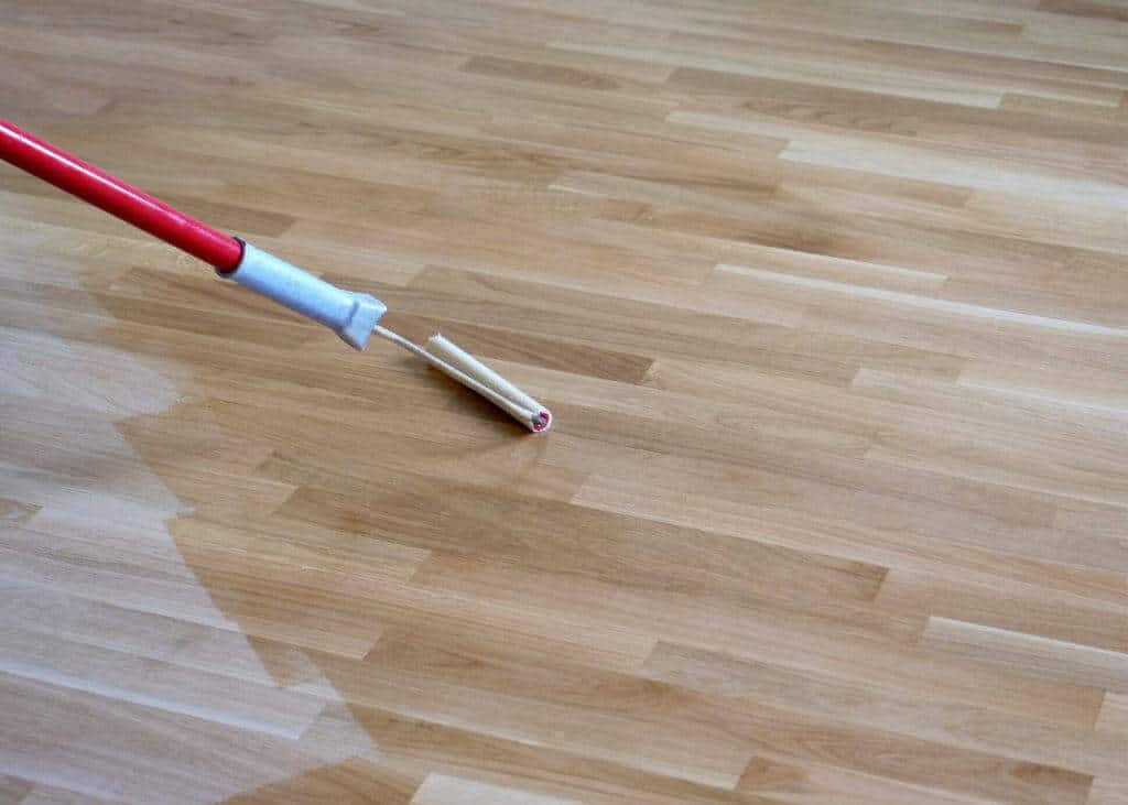 can you paint laminate floor