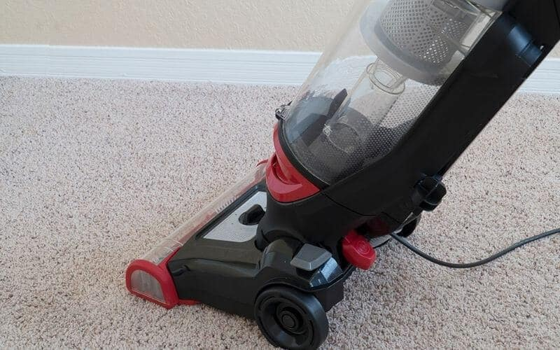 cleaning carpet with hover carpet cleaner