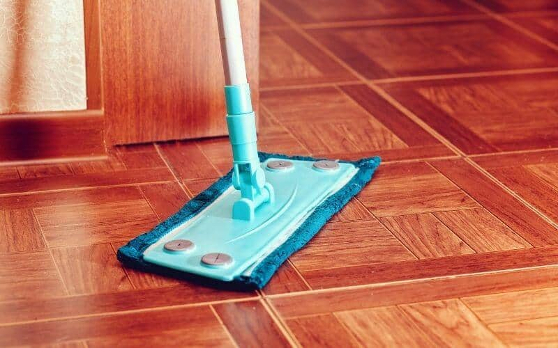 how to mop tile floors without streaks
