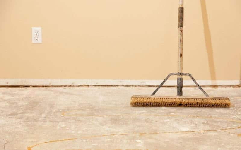cleaning dust off wood floor