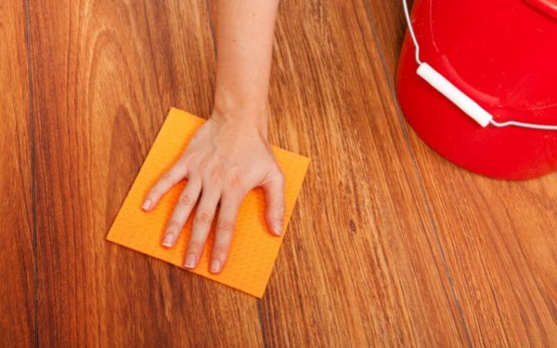 how to clean up grease spill on floor
