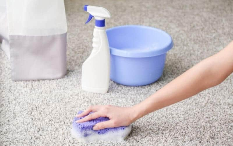 how to get glitter out of carpet without vacuum